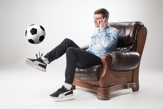 Ile można zarobić na oglądaniu meczów online?